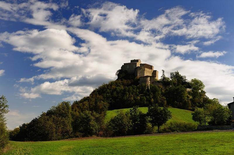 ''Rossena e le sue nuvole'' - Canossa