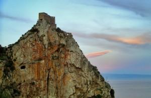 Il castello e la sua nuvola rosa