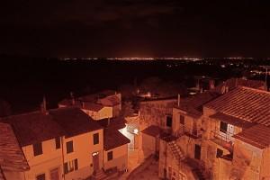 Montescudaio di notte