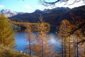 Panorama infuocato sul lago
