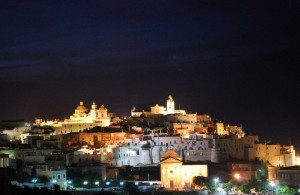 un presepe by night - Ostuni - auguri