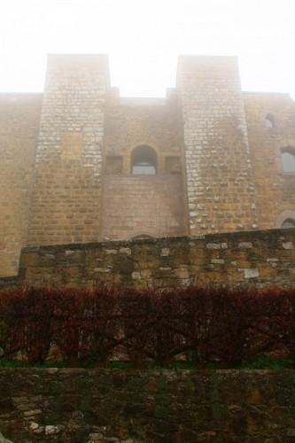 Avigliano - il Castello di Lagopesole perso nella nebbia