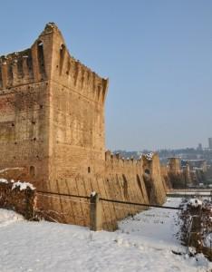 Mura e neve