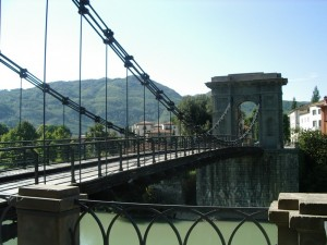 """Anche noi abbiamo il """"ponte delle catene"""""""