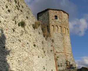 Il torrione del castello di Montebello