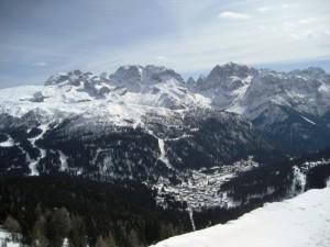 A valle,sotto la neve,Campiglio