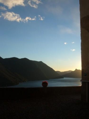 Porlezza - panorama del lago di lugano dalla frazione di Castello