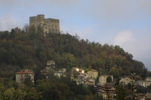 Il castello Dal Verme domina il paese