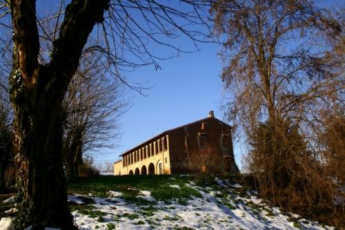Verolavecchia - Il castello di Monticelli