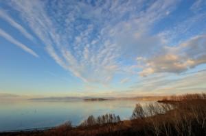 Spettacolo sul cielo sopra l'Isola Polvese