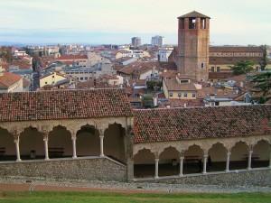 Oltre le mura del castello
