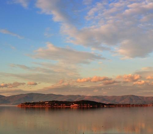 Castiglione del Lago - Isola Polvese sul calar del sole