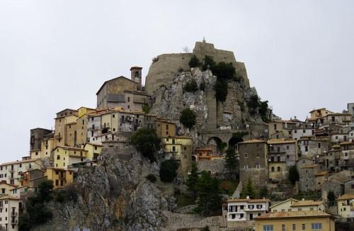 Cervara di Roma - Imponente Rocca