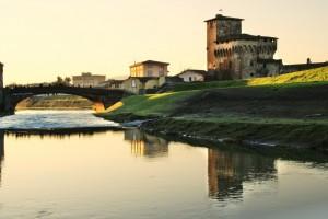 Sorge sulla riva destra del fiume Bisenzio