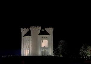 Castello di Aymavilles di notte