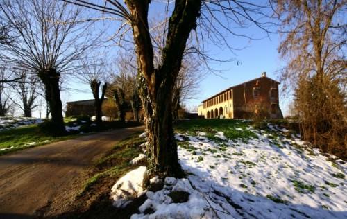 Verolavecchia - Il castello sul dosso
