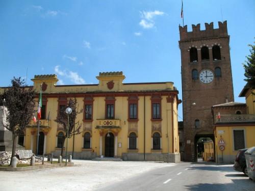 Castellucchio - torre e municipio