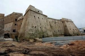 Il Castello Angioino  in restauro