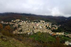 Guarcino visto dalla vicina collina