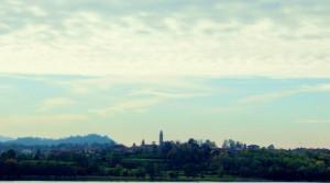 La striscia della citta di Annone di Brianza sul lago