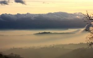 tra la nebbia c 'è CORRIDONIA