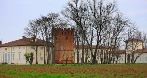 Rivarolo del Re ed Uniti - Il torrione di Villa Todeschina