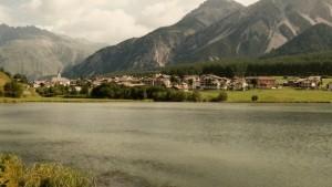 Paesaggio sulle rive del lago di San Valentino