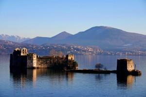 Castelli di Cannero immersi nel blu…