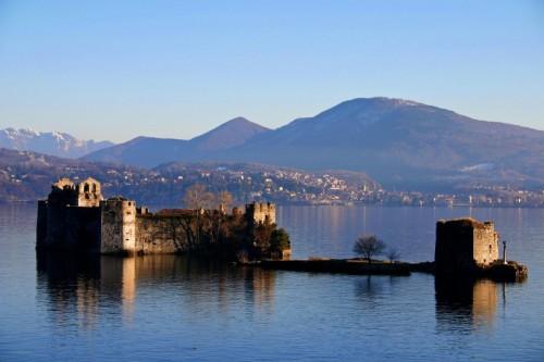 Cannobio - Castelli di Cannero immersi nel blu...