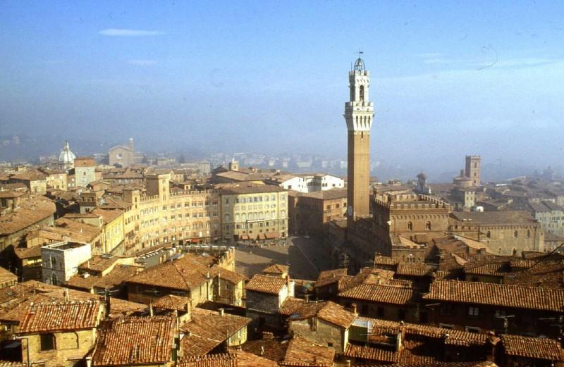 ''Siena magnifica nella sua luce d'oro'' - Siena