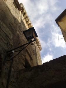 Torre a base quadrata nella borgata Barbarasa