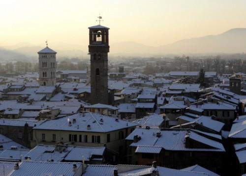 """Lucca - La Neve.....La Nebbia.....Il Tramonto....e Lucca diventa """"Splendida""""!!!"""