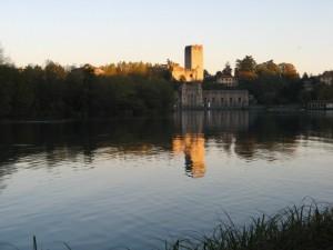Solito castello, solito fiume…