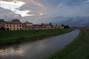 Cannara, veduta della cittadina dal fiume