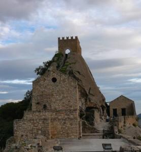Il castello sulla roccia