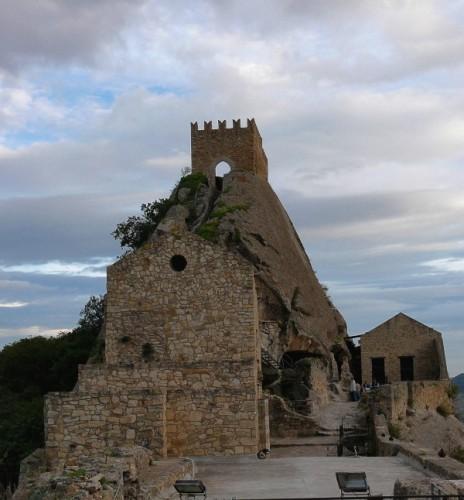 Sperlinga - Il castello sulla roccia