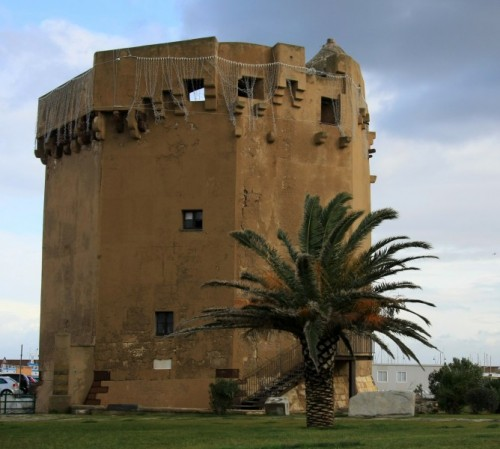 Porto Torres - torre del porto..