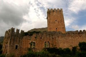 Oasi di Ninfa: il castello Caetani