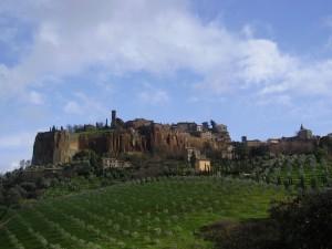 Veduta della rupe di orvieto verso San Giovenale