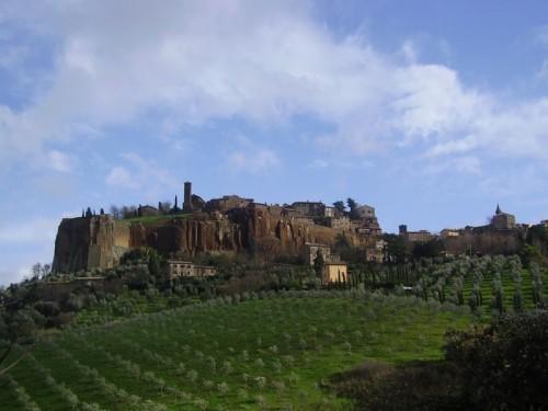 Orvieto - Veduta della rupe di orvieto verso San Giovenale