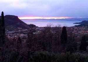 Tramonto di gennaio sul golfo di Garda (visto da Costermano)
