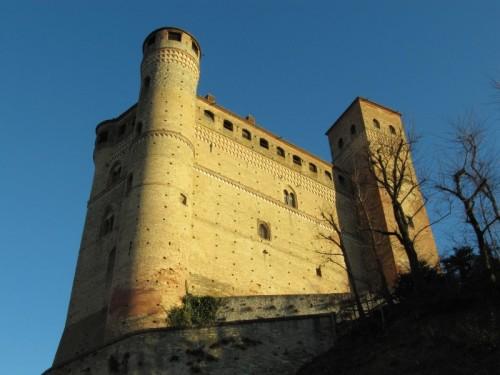 Serralunga d'Alba - Guarda lassu'..