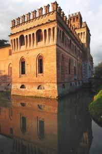 Il castello si specchia