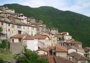 veduta del borgo arroccato