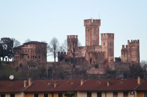 Castello di Valeggio sul Mincio… e qualche antenna…