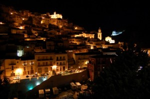 Ragusa - Ibla e roccia illuminata