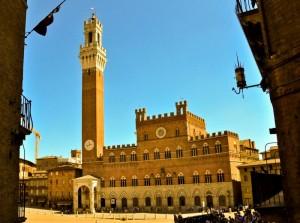 Cartolina di Siena