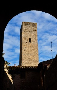Torre incorniciata