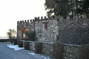 ingresso al castello (bornato)
