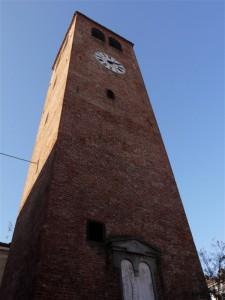 la torre civica trecentesca…..